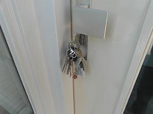 Sleutels in deur